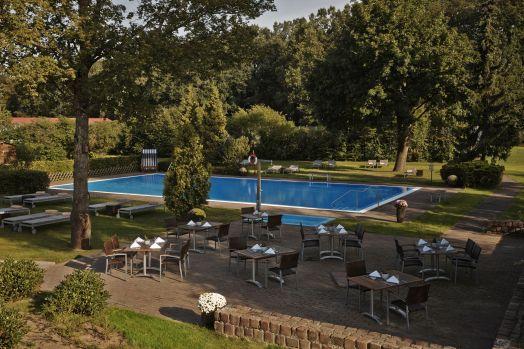 Kempinski Hotel Frankfurt Gravenbruch_outside pool and terrace 2.jpg