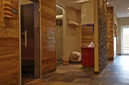 Kempinski Hotel Frankfurt Gravenbruch_sauna.jpg
